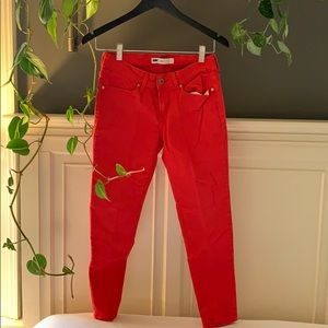 Red Levi's Jeans